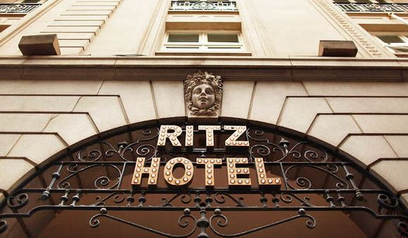 Possibile violazione dei dati al Ritz Hotel. Ospiti vittime di frode di vishing