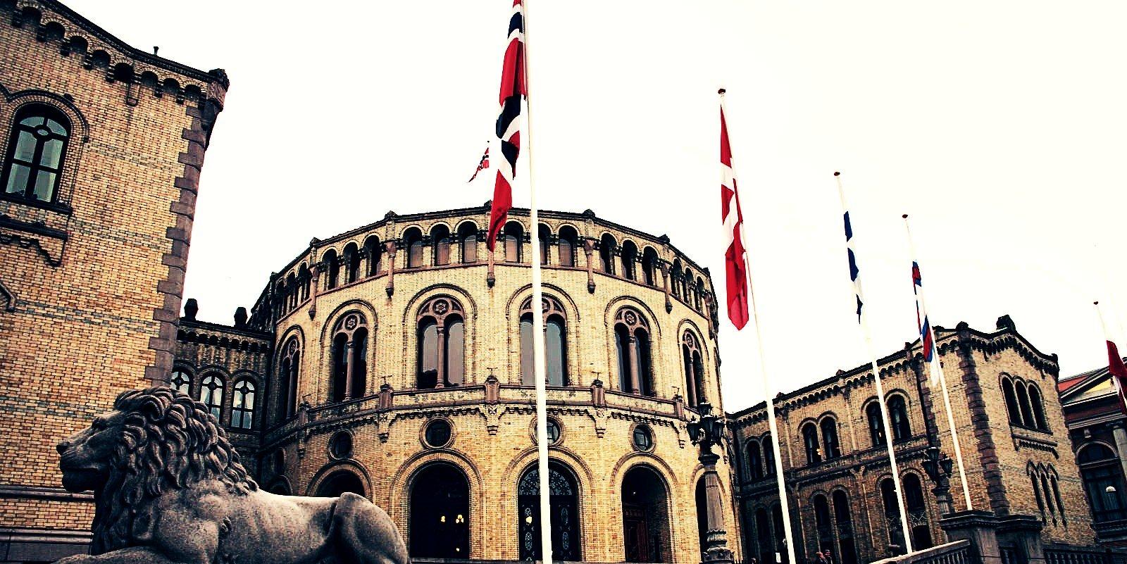 Gli hacker hanno violato le e-mail del Parlamento norvegese per rubare dati